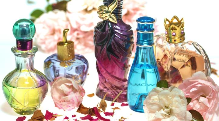 za duzo perfum w lozku
