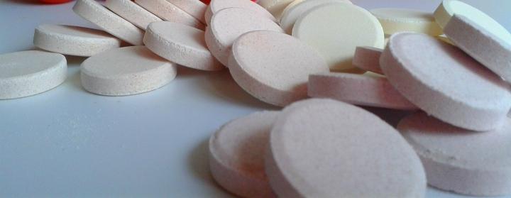 tabletki do protez w toalecie