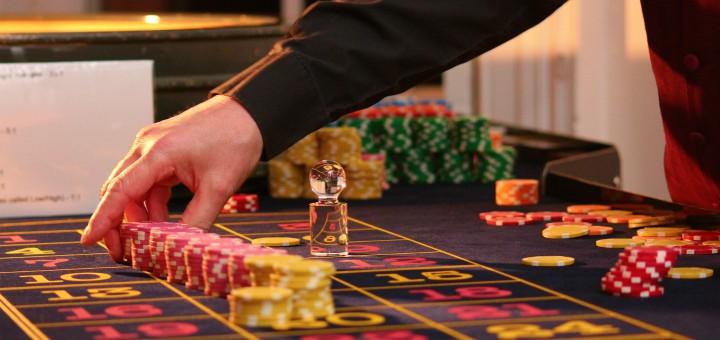 mezczyzna kryzys hazard