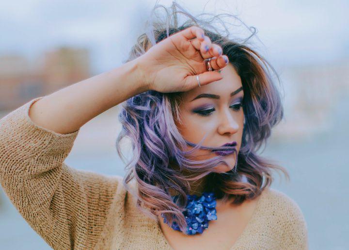 siwo-fioletowe wlosy