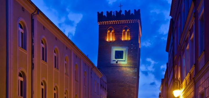 Krzywa wieża w Polsce – Ząbkowice Śląskie