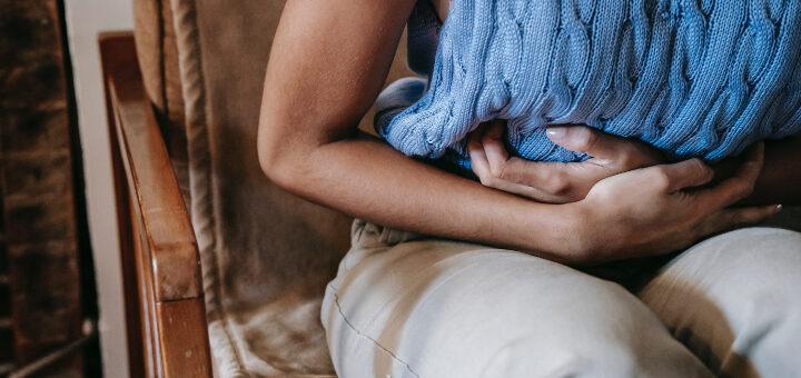 sposoby na przejedzenie ból brzucha