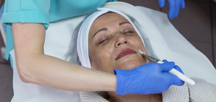 zabiegi estetyczne na twarz pielęgnacja