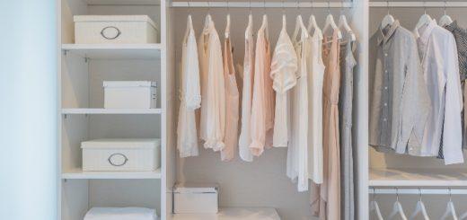 domowa garderoba regały